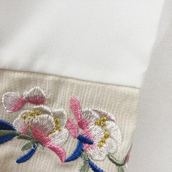Дамски халат с бродерия и колан в два цвята