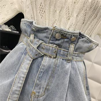 Къси дънкови панталони широк модел с колан в светъл цвят
