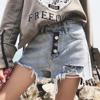 Модерни къси дънкови панталони с висока талия и копчета