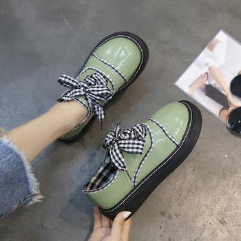 Ежедневни дамски обувки с карирани връзки в зелен и черен цвят