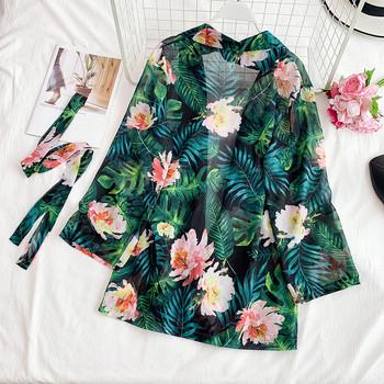 Пролетно дамско сако с флорални мотиви и колан