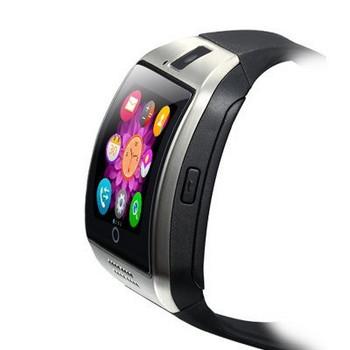 Смарт часовник модел Q18 с камера и слот за сим карта с черна силиконова каишка