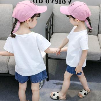 Детска ежедневна тениска в бял цвят с апликация за момичета