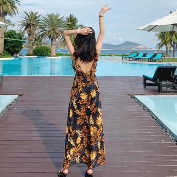 Дамска плажна рокля с V-образно деколте и гол гръб