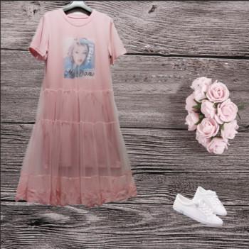 Ежедневна дамска рокля с апликация и тюл в три цвята