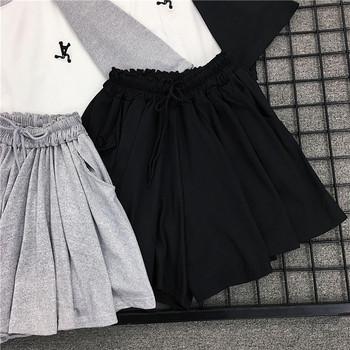 Ежедневен дамски комплект от две части тениска + къси панталони в два цвята