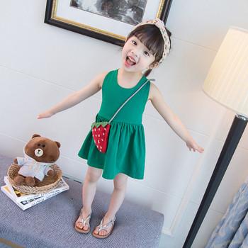 Детска модерна рокля разкроен модел в червен и зелен цвят