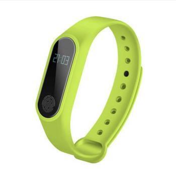 Фитнес гривна със силиконова каишка модел M2 в зелен цвят