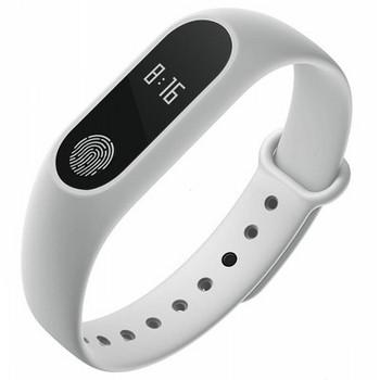Фитнес гривна със силиконова каишка модел M2 в бял цвят