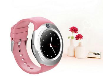 Смарт часовник в розов цвят и силиконова каишка - модел Y1