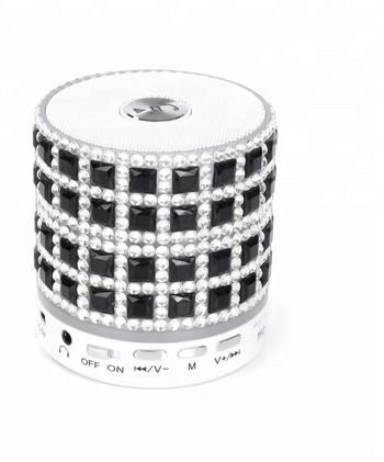 Преносима bluetooth колонка A8 DIAMOND с AUX и USB порт и слот за TF/SD card - черен цвят