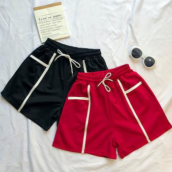 Ежедневни дамски къси панталони в черен и червен цвят