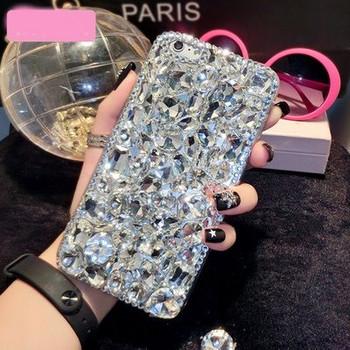 Силиконов калъф с камъни в бял цвят за iPhone XR