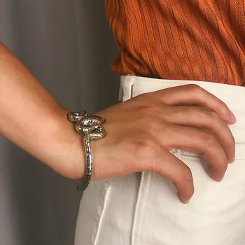 Стилна дамска метална гривна в сребрист и златист цвят