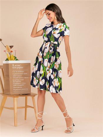 Дамска рокля с флорален десен и къс ръкав