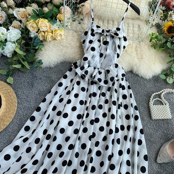 Дамска рокля на точки -асиметричен модел