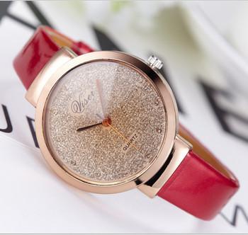 Модерен дамски часовник-в няколко цвята