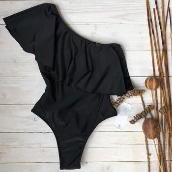 Модерен дамски цял бански с една презрамка в черен цвят