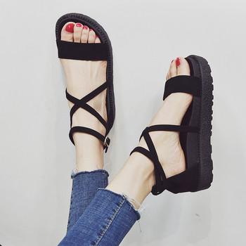 Стилни дамски сандали с висока подметка в черен, сив и зелен цвят