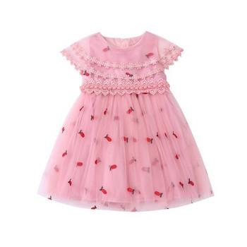 Стилна детска рокля в бял и розов цвят-разкроен модел