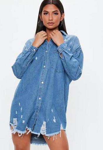 Нов модел дамско дънково яке с копчета и джобове в син цвят