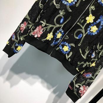 Дамско тънко яке в черен цвят с дантела и бродерия