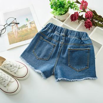 Модерни къси дънкови панталони за момичета с апликация