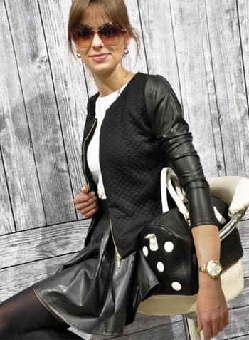 Модерно дамско кожено яке в бял и черен цвят