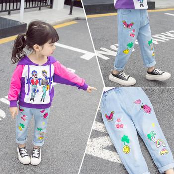Ежедневни детски дънки за момичета с цветни апликации