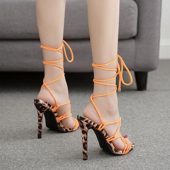 Актуални дамски сандали с висок ток и връзки в оранжев цвят
