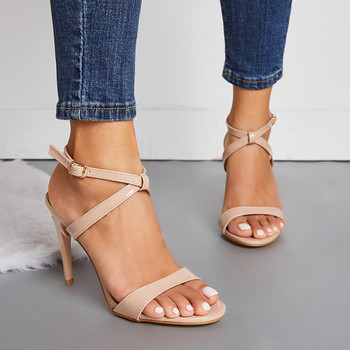 Модерни дамски сандали с висок ток в бежов и черен цвят