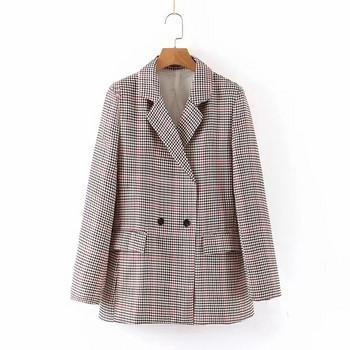 Карирано дамско сако широк модел с V-образна яка