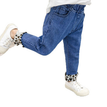 Актуални детски дънки за момичета с леопардови мотиви в син и черен цвят