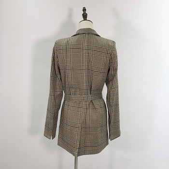 Дамско дълго карирано сако с колан