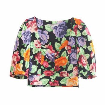 Къса дамска блуза с квадратно деколте