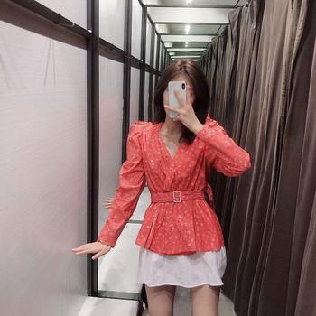 Елегантна дамска блуза с колан в червен цвят