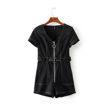 Дамски гащеризон с цип в черен цвят -къс модел