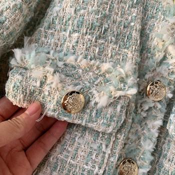 Модерно дамско палто с метални копчета