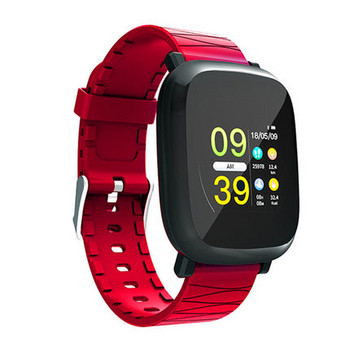 Водоустойчив тъчскрийн смарт часовник измерващ крачките със силиконова каишка M30 в червен цвят