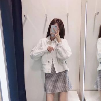 Νέο μοντέλο γυναικείο μπουφάν  ασύμμετρο μοτίβο σε λευκό χρώμα