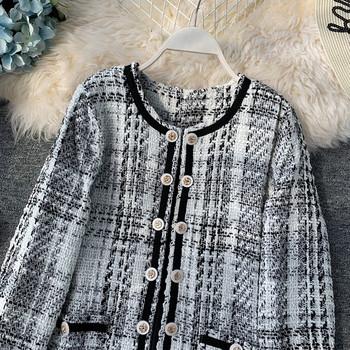Есенно дамско палто с О-образна яка в черен и бял цвят