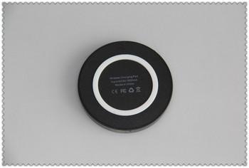 Универсално безжично wireless заряднo QI Standard ,fast charge - черно с бяло