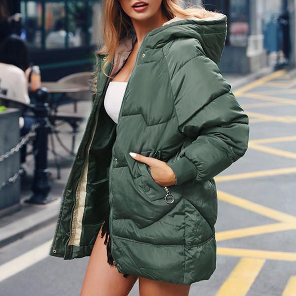 Γυναικείο μπουφάν με κουκούλα και τσέπες σε μαύρο, πράσινο και λευκό χρώμα