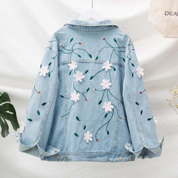 Μοντέρνο σχέδιο γυνακείο μπουφάν σε floral σχέδιο