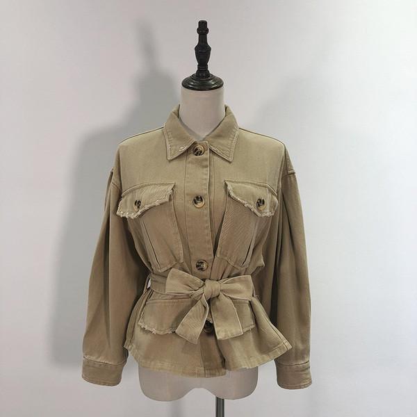 Γυναικείο τζιν μπουφάν με κουμπιά και ζώνες μέσης σε καφέ χρώμα