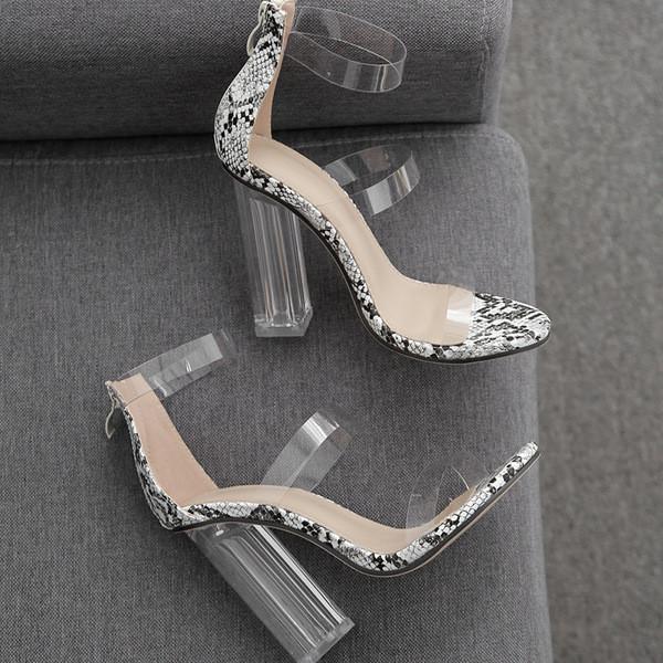 Модерни дамски сандали на висок ток с животински десен