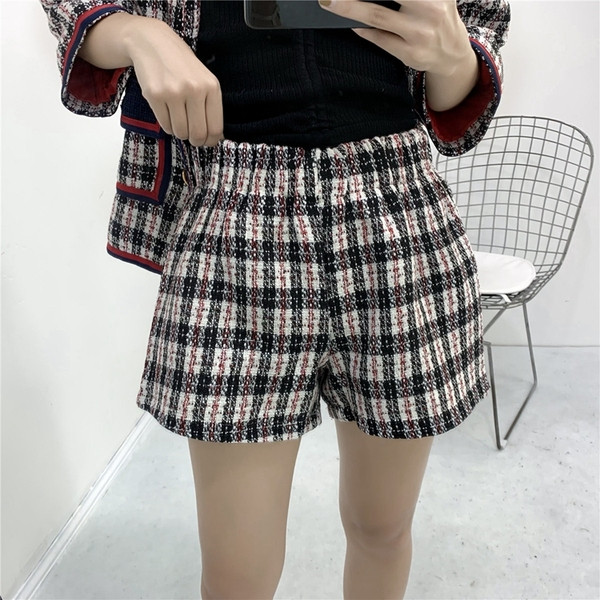 Къса дамски карирани панталони с ластична талия