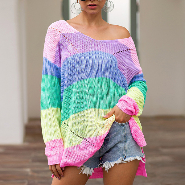 Модерен дамски цветен пуловер с дълъг ръкав широк модел