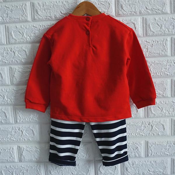 Ежедневен детски комплект от две части блуза+панталон за момчета