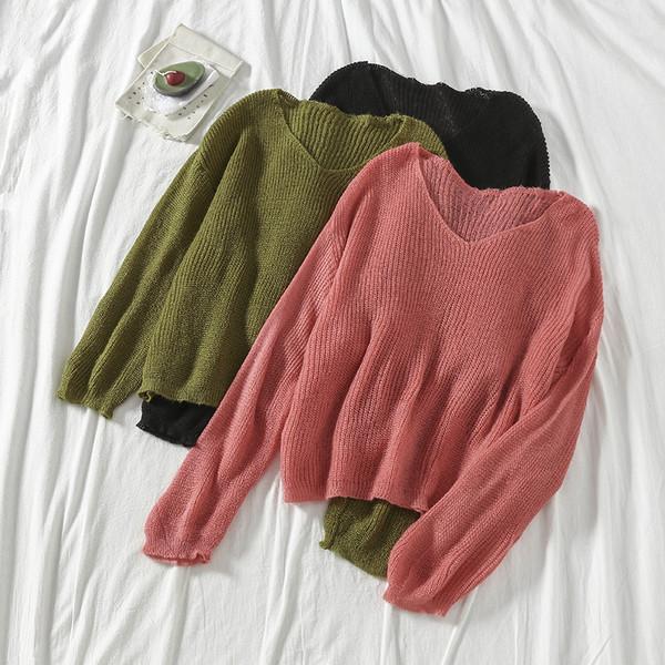 Дамски модерен пуловер с шпиц деколте в няколко цвята